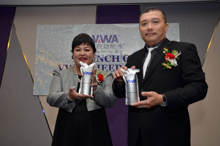 Dr Samantha Ng, Founder and Managing Director of VWA and Mr Lim, Co-Founder of VWA during the launch of VWA Cheer Pack.