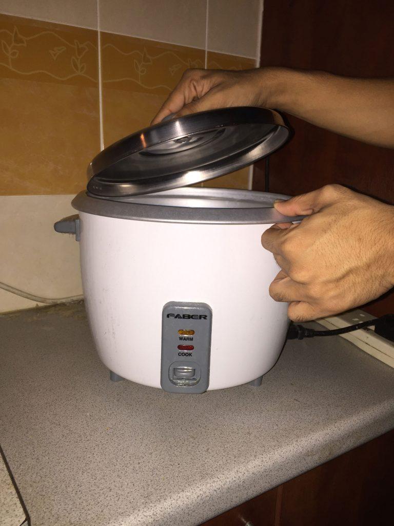 Masuk Je Rumah Sewa Baru Satu Item Wajib Adalah Periuk Nasi Elektrik Sebab Nak Masak Atas Dapur Gas Sangat Leceh Mujur Ada Faber Rice Cooker