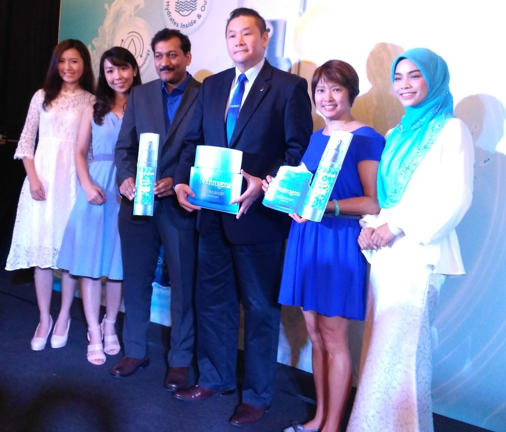 VIPs and fans of Neutrogena Hydro Boost hydration duo at the launch gambit