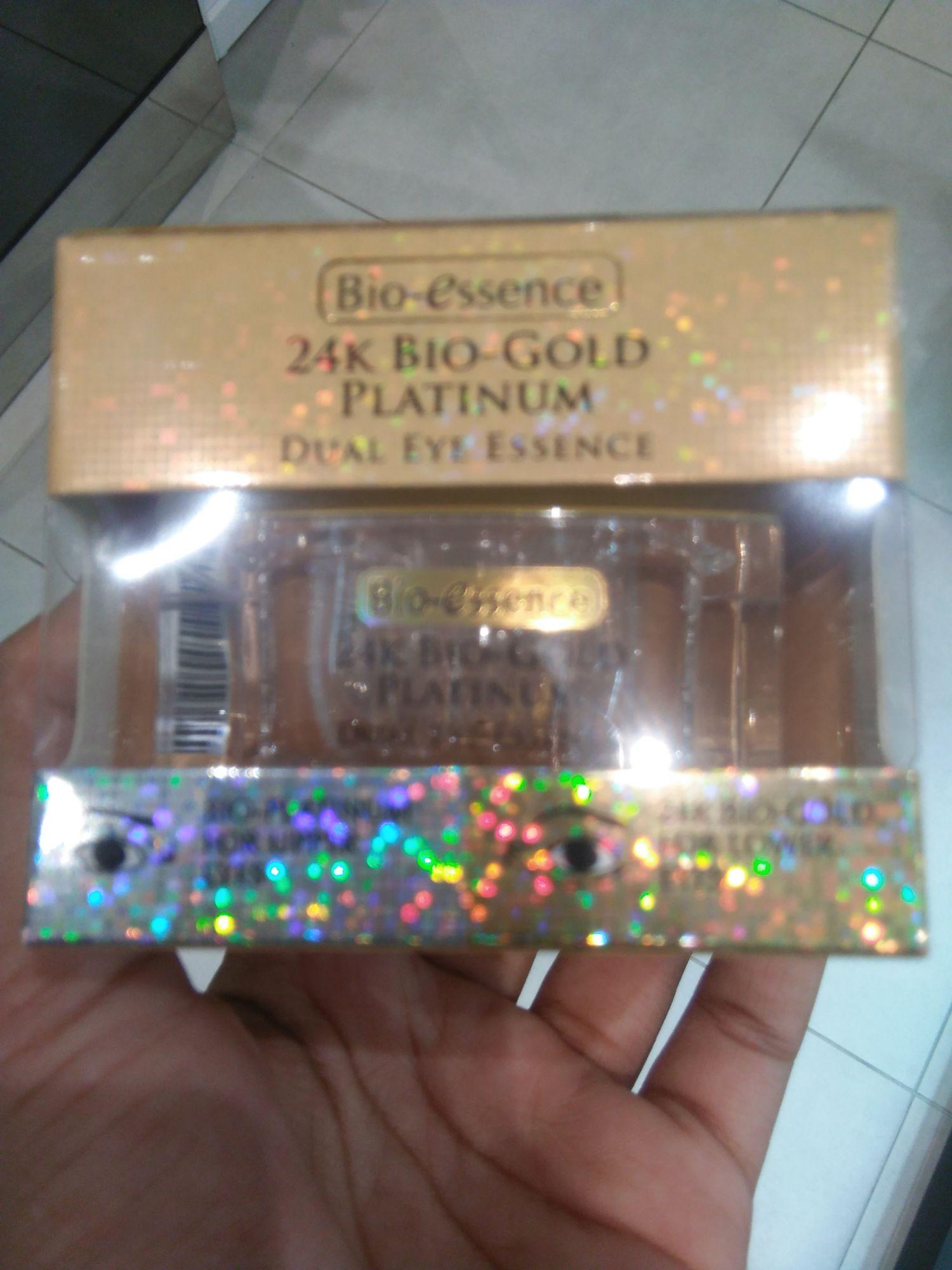 Sy gunakan Bio-Essence 24k Bio-Gold Dual Eye Essence ni sbgai eye treatment pd waktu malam & sbgai make base utk eye make up.Tekstur gelnya sgt selesa ...