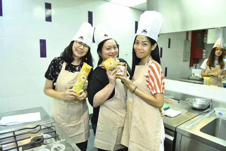 (From left to right) Kooi Mei, Shet Ling and Wen Li
