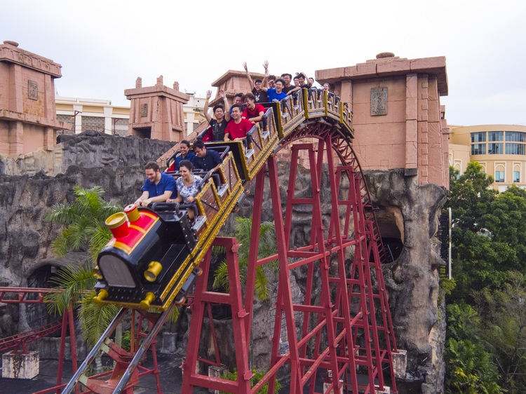 Lost City of Gold Scream Coaster at Amusement Park