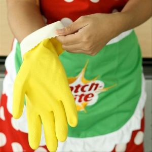 Protect your hands with Scotch-Brite™ Multi-Purpose Gloves